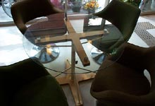 Glass Table (cafe & gallery Lugol)